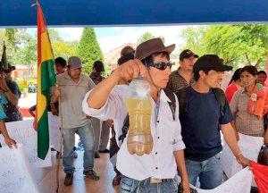 Marcharon pobladores de Caraparí. Indiferencia del Gobierno ante emergencia ambiental