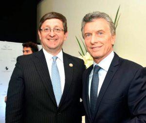 Resultado de imagen para oscar ortiz y Mauricio Macri